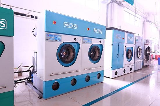 洗衣店选好洗衣设备是前提