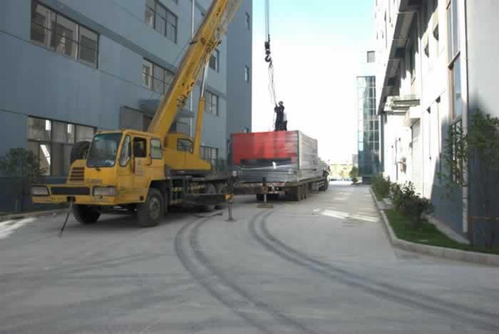 20吨的庞大激光切割机在乔力雅安家啦